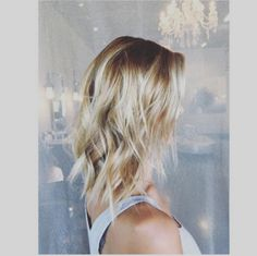 MTV reality alum Audrina Patridge managed to pull off a rather impressive presto-chango hair makeover today. We can just imagine the reaction shots that would have been shown on The Hills: The blankest of off-in-the-distance...