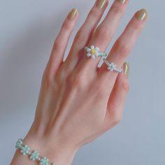 Diy Jewelry Rings, Bead Jewellery, Cute Jewelry, Beaded Jewelry, Jewelery, Jewelry Accessories, Jewelry Art, Pony Bead Bracelets, Diy Bracelets Easy