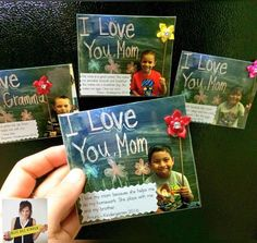 Mother's Day magnet You are in the right place about morsdagskort Mothers Day Cards Here we offer you the most beautiful pictures about the creative Mothers Day Cards you are looking for. Mothers Day Crafts Preschool, Fathers Day Crafts, Grandparents Day Crafts, Mothers Day Pictures, Mothers Day Cards, Mother And Father, Mother Gifts, Mother Card, Mother's Day Projects