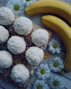 Kokosowe kulki mocy, czyli fit raffaello – Mrs. Endorfina – zdrowe jedzenie, pozytywna energia, pasja i motywacja Sugar, Fruit, Cos, Candies, Kitchen, Dessert, Deserts, Raffaello, Cooking