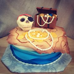 Pirate cake with treasure chest and map