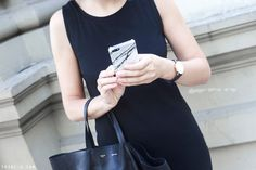 Trini | Iphone 5 marble case Daniel Wellington watch Gap black dress Celine cabas bag