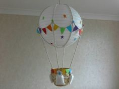 Add your own toy Hot Air Balloon Nursery light shade / Made To Order Hot Air Balloon Centerpieces, Diy Hot Air Balloons, 16 Balloons, Balloon Lights, Baby Shower Balloons, Balloon Decorations, Balloon Lanterns, Balloon Party, Mesas Para Baby Shower