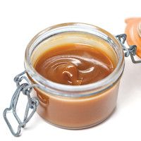 Salted Butter Caramel Spread- (If I used this for fudge, I may used unsalted butter. Note: cream is regular whipping cream. Creme Caramel, Sauce Caramel, Sauce Recipes, Fish Recipes, Unsalted Butter, Ricardo Recipe, Caramel Recipes, Caramel Apples, Puddings