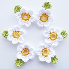 Crochet Flowers with Leaves  Set of 6 by annemariesbreiblog, €6.00