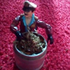 Grind the herb