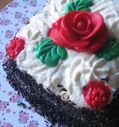Mini tarta de chocolate rellena de crema de nata y crema de avellanas para #Mycook http://www.mycook.es/receta/mini-tarta-de-chocolate-y-crema-de-nata-y-de-avellanas/