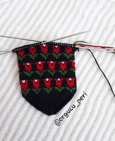 "Instagram'da orgucu_peri: ""Hayırlı günler eller ❤❤❤❤❤ . . . . . . . #elemeği #patik#beşşiş #beşşişpatikmodelleri #beşşişçeyizlikpatik #beşşişpatikçeyizlik…"" Baby Knitting Patterns, My King, Baby Booties, Diy And Crafts, Booty, Christmas Ornaments, Sewing, Holiday Decor, Instagram"