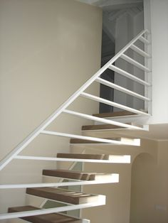 Staircase Handrail, Interior Staircase, Stair Railing, Staircase Design, Contemporary Stairs, Modern Stairs, Home Radiators, Metal Stairs, Decoration Inspiration