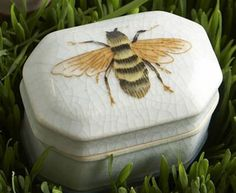 Bee jewelry box