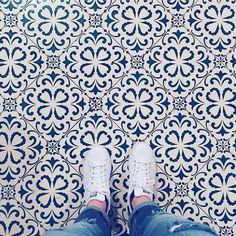 Amazing pic by @aujourdhui tagging #ihavethisthingwithtiles  _____________________________________________  #fwisfeed #feet #maioliche #lookyfeets #lookdown #selfeet #fwis #fromwhereyoustand #viewfromthetop #ihavethisthingwithfloors #viewfromthetopp #happyfeet #picoftheday #photooftheday #amazingfloorsandwanderingfeet #vsco #all_shots #lookingdown #fromwhereonestand #fromwherewestand #travellingfeet #fromwhereistand #tiles #tileaddiction #tilecrush #floor #vscocam #instatiles
