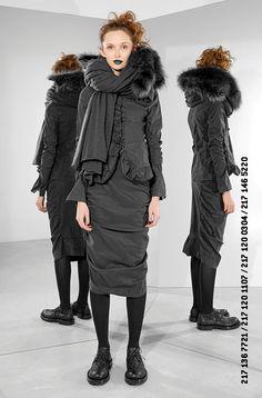Grey elastic jacket and skirt by Rundholz fall-winter 2017/2018 #rundholzaw17 #appleofeve