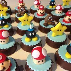 Resultado de imagem para festa mario bros Super Mario Bros, Mario Bros Cake, Super Mario Birthday, Mario Birthday Party, Super Mario Party, Bolo Do Mario, Bolo Super Mario, Birthday Party Desserts, Birthday Cake With Candles