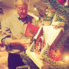 Scott Swift decorated the tree.