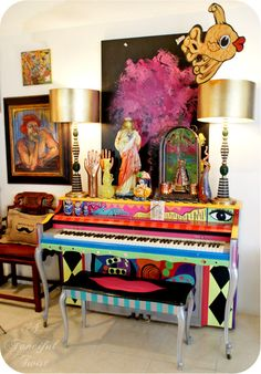 I would like to be brave enough to paint our piano - maybe night quite so crazy as this one though!