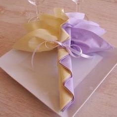 pliage de serviettes en forme de fleur le pliage de serviettes pinterest fleur galeries. Black Bedroom Furniture Sets. Home Design Ideas