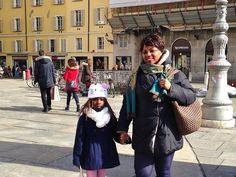 """Djble """"Vengo dalla Costa d'Avorio e sono in Italia da 15 anni. Come tanti altri, sono venuta qui per cercare lavoro e costruire una famiglia. Ora mia figlia ha quasi 7 anni ed io faccio l'assistente agli anziani. Il mio più grande sogno sarebbe riuscire a lavorare in ospedale come operatrice sanitaria. Rendermi utile per gli altri mi dà gioia."""""""