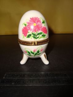 "Porcelain Hand Painted Egg Ring Box Floral Design 3 1/4"" Tall Hinged With Legs"