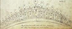 """La Gran Duquesa de Mecklemburgo, """"tia Gussie"""", prestó en alguna ocasión la tiara a su sobrina, la Reina Mary, ya que sentia admiración por la joya. En 1913, la Reina encarga a la joyeria Garrard una tiara igual a la de su abuela, utilizando diamantes y perlas que eran de su propiedad."""