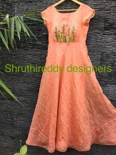 Kurti Embroidery Design, Embroidery Fashion, Embroidery Dress, Anarkali Dress, Lehenga, Saree Gown, Indian Ethnic Wear, Indian Attire, Salwar Pattern