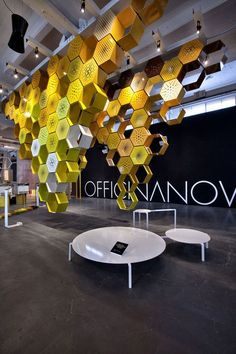 Honey way by Officina Nove Metal Wall Art Decor, Modern Wall Decor, Honey Store, Decorative Screen Panels, Stand Feria, Interior Exterior, Interior Modern, Privacy Panels, Perforated Metal