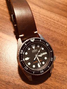 Seiko Skx, Seiko Watches, Seiko Automatic, Automatic Watch, Mobile Gadgets, Black Boys, Black Canvas, Stainless Steel Watch, Chronograph