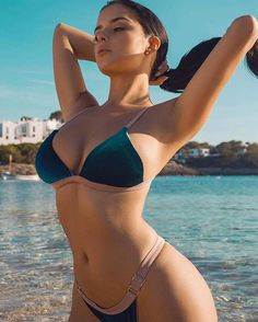 Een zomerse portie Demi Rose (@demirosemawby) om je zo richting het weekend te katapulteren! #demirose #fhm #summer #bikini #girls  via FHM HOLLAND MAGAZINE OFFICIAL INSTAGRAM - Celebrity  Fashion  Haute Couture  Advertising  Culture  Beauty  Editorial Photography  Magazine Covers  Supermodels  Runway Models