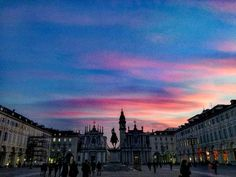 Il tramonto di Torino.   #Torino #torinocity #torinoèlamiacittà #Turin #Italia #bestoftheday #beautifulplaces #picoftheday #photography #photooftheday #followforfollow #like4like #instago #instalike #instagood #love #instalove #instagram #wanderlust #explore #aroundtheworld #instaday #ciauturin  Photo by  @travel_instants