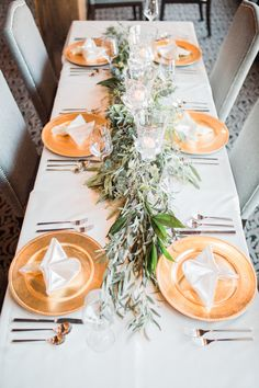 Foliage arrangements promise to be a big trend this year. Paired with cream and gold tones, they instantly becomes classic and timeless. Cream And Gold, Table Settings, Table Decorations, Beautiful, Big, Classic, Design, Home Decor, Planner Organization