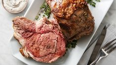 Slow-Cooker Prime Rib Roast - Your search for a showstopping special occasion centerpiece dish is over! This hearty and flavorful bone-in roast is as delicious as it is beautiful, and the slow-cooker technique makes it easily achievable. Slow Cooker Prime Rib, Cooking Prime Rib, Slow Cooker Ribs, Slow Cooker Recipes, Crockpot Recipes, Cooking Recipes, Crockpot Dishes, Pork Dishes, Delicious Recipes