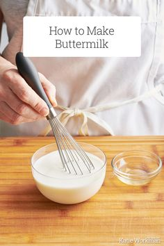 How to Make Buttermilk / Buttermilk is one of those ingredients that few of us have on hand regularly. But luckily for us, making buttermilk at home is easy and quick. #cookingtips #buttermilk