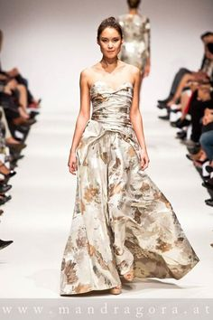 anelia peschev SS15 Strapless Dress Formal, Formal Dresses, Ss 15, Fashion, Moda, Formal Gowns, La Mode, Black Tie Dresses, Fasion
