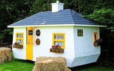 A Mobile Pub is Heading to Boston From Ireland — Design News | Apartment Therapy