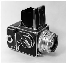 Hasselblad 500 C/M - perfecto.  I love the winder crank handle - mine has a lightmeter winder instead, which is more useful, but less 'authentic'