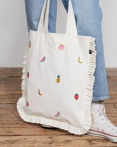 Sacs Tote Bags, Diy Tote Bag, Canvas Tote Bags, Women's Bags, Fabric Tote Bags, Canvas Handbags, Embroidery Bags, Linen Bag, Cotton Bag