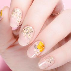 Flowers do not always open, but the beautiful Floral nail art is available all year round. Choose your favorite Best Floral Nail art Designs 2018 here! We offer Best Floral Nail art Designs 2018 .If you're a Floral Nail art Design lover , join us now ! Simple Wedding Nails, Wedding Nails Design, Wedding Manicure, Chic Nail Art, Chic Nails, Nail Art Designs, Nail Designs Spring, Floral Designs, Bridal Nail Art
