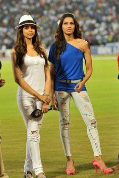 Deepika & Bipasha