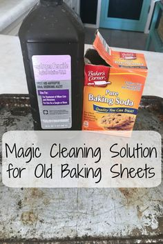 Magic Cleaning Solution for Old Baking Sheets Deep Cleaning Tips, Household Cleaning Tips, Cleaning Recipes, Natural Cleaning Products, Cleaning Solutions, Cleaning Hacks, Kitchen Cleaning, Cleaning Checklist, Household Cleaners