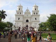 Esquipulas, Guatemala (La Iglesia del Cristo Negro de Esquipulas)