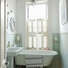 Classic-style bathroom