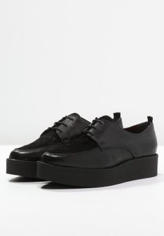 Tamaris Schnürer - black - Zalando.ch All Black Sneakers, Black And White, Elegant, Outfits, Shoes, Fashion, Classy, Moda, Blanco Y Negro