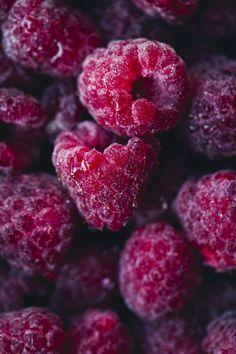 Beet and Berry Yoats Big Love Fruit And Veg, Fruits And Vegetables, Fresh Fruit, Pink Fruit, Raspberry Fruit, Raspberry Color, Fruit Photography, Food Wallpaper, Wallpaper Desktop