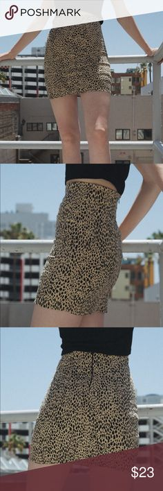 603fb6614 Brandy Melville PHOEBE SKIRT Cotton blend fitted leopard print mini skirt  with invisible zipper closure on