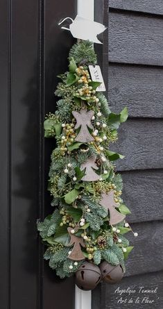 Gorgeous white and green long garland for Noel Christmas display! Christmas Swags, Christmas Flowers, Natural Christmas, Christmas Love, Outdoor Christmas, All Things Christmas, Christmas Holidays, Christmas Crafts, Christmas Floral Designs