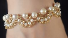 Pearls' bracelet (Tuto). Takes alot of patience but end result will be beautiful!!!