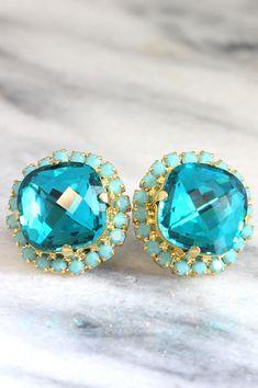 Turquoise Swarovski Earrings,Blue Teal Earrings,Gift for her,Bridal Earrings,Turquoise Stud Earrings,Bridesmaids Earrings,Swarovski Earrings  These