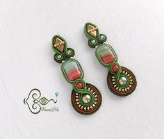 ソウタシエ・イヤリング Soutache Earrings by KaoriNa. Black Earrings, Ring Earrings, Statement Earrings, Fashion Jewelry, Women Jewelry, Soutache Earrings, Wedding Earrings, Bead Weaving, Shibori