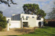 Five-bedroom contemporary modernist property in Lymington, Hampshire | via WowHaus