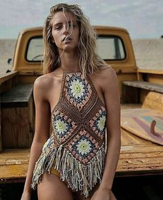 Boho chic clothing and apparel. Dresses and skirts and sandals. Rattan handbags and accessories. hippie style and rings. beach wear and evening dresses. boho style casual dresses and hats. Mode Hippie, Hippie Style, Hippie Boho, Bohemian Style, Boho Gypsy, Bohemian Outfit, Crochet Halter Tops, Bikini Crochet, Crotchet Dress