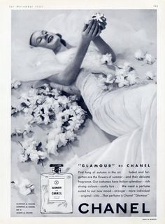 Chanel , Glamour ,1940
